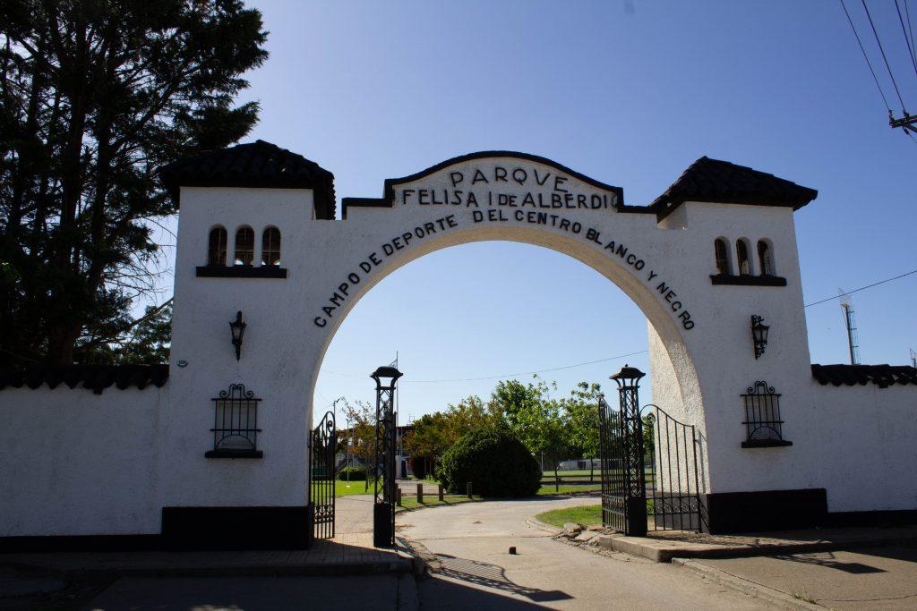 Centro blanco y Negro - Sede Felisa I de Alberdi